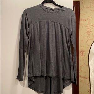 Lululemon size 4 long sleeve top